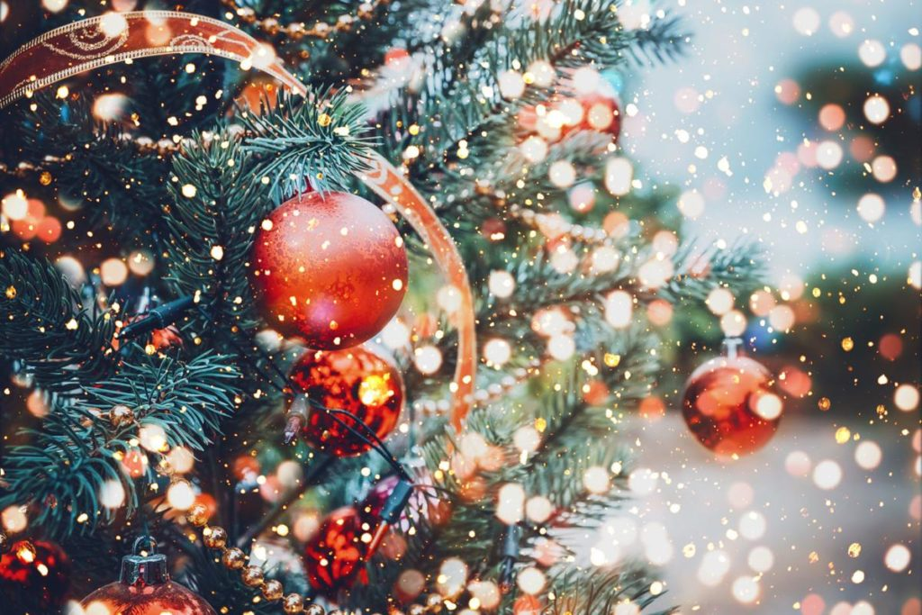 christmas wallpaper,christmas ornament,tree,christmas decoration,christmas,christmas eve