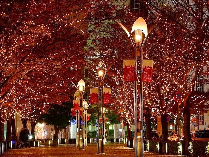 animated christmas wallpaper,tree,lighting,street light,landmark,night