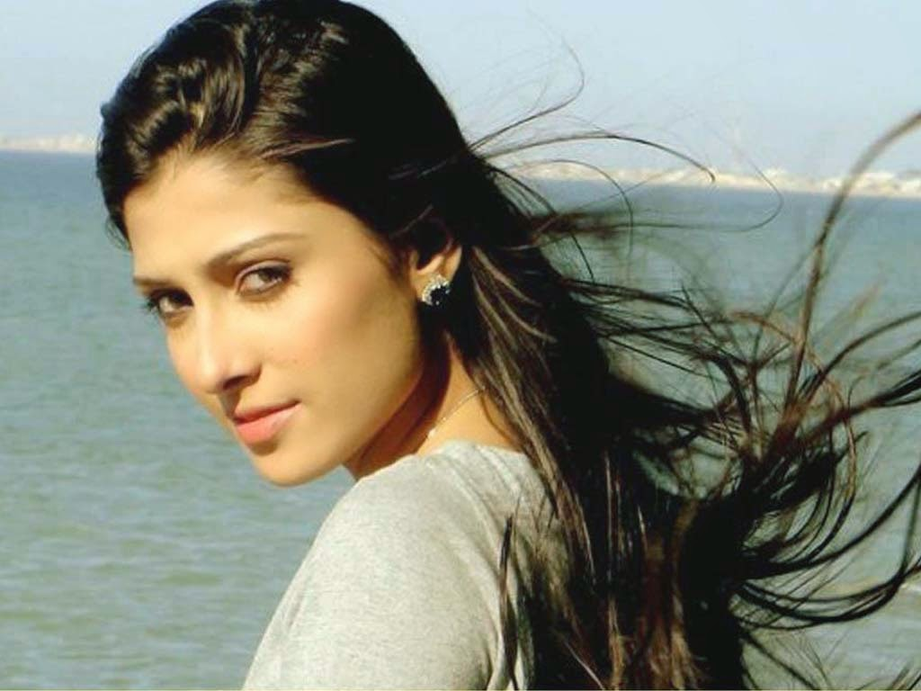 pakistani actress wallpaper,hair,face,hairstyle,eyebrow,beauty