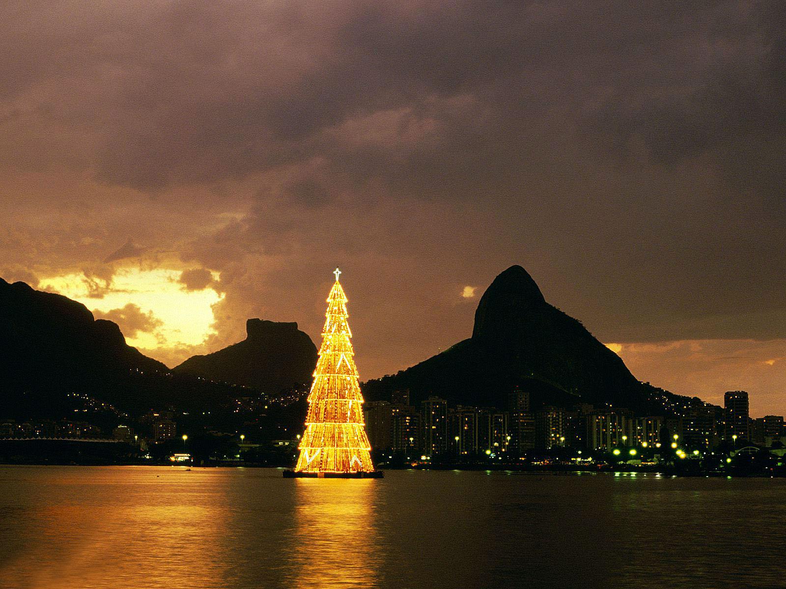 christmas pc wallpaper,sky,landmark,nature,horizon,dusk