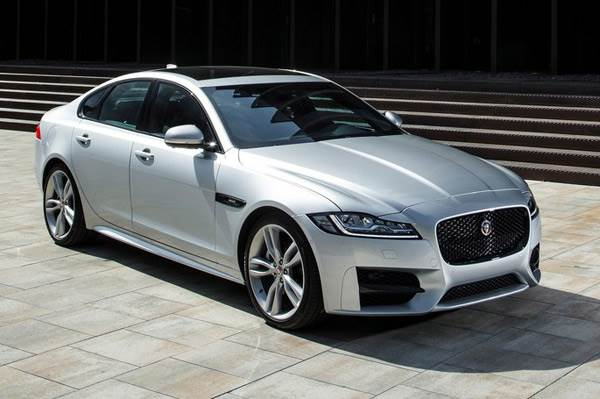 jaguar xe wallpaper,land vehicle,vehicle,luxury vehicle,car,sedan