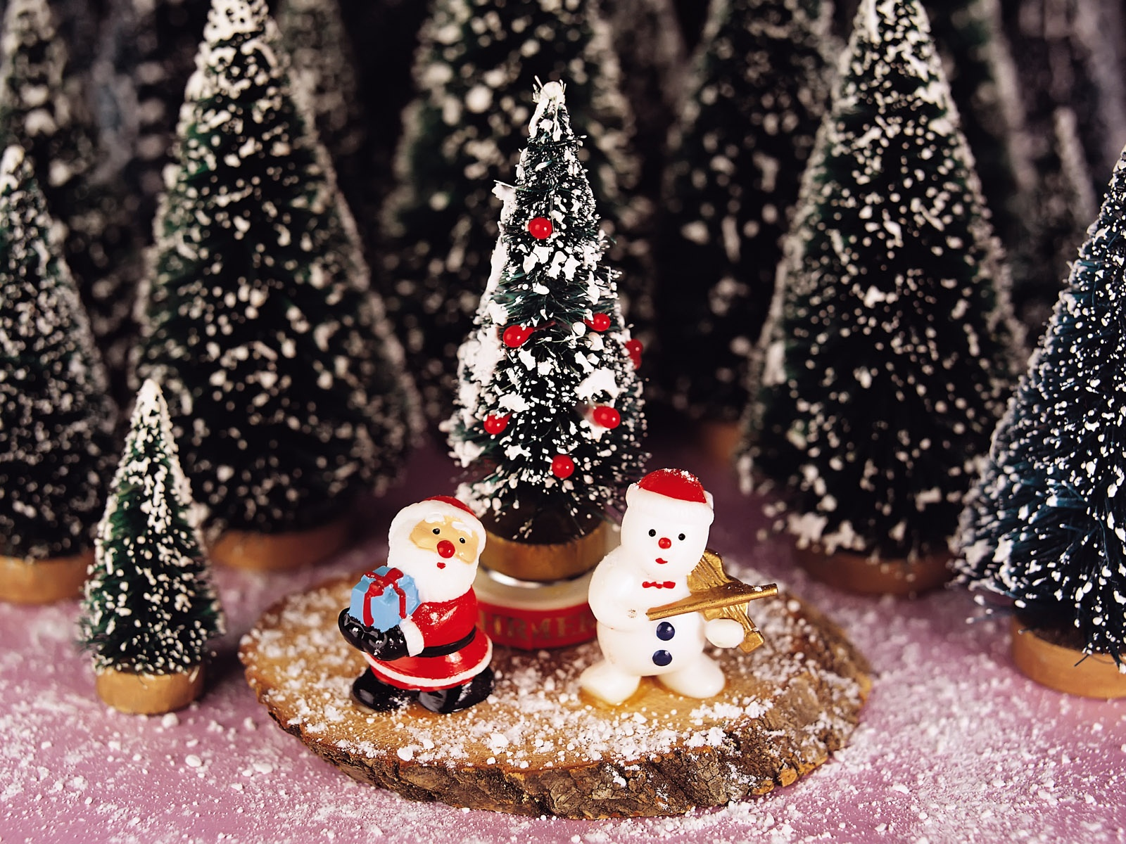 christmas wallpaper hd,christmas tree,christmas decoration,christmas ornament,christmas,tree