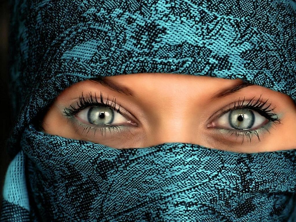 Green Eyes In Hijab Wallpaper,1024 X 768 Resolution - Green Eyes Hijab Girl Hd