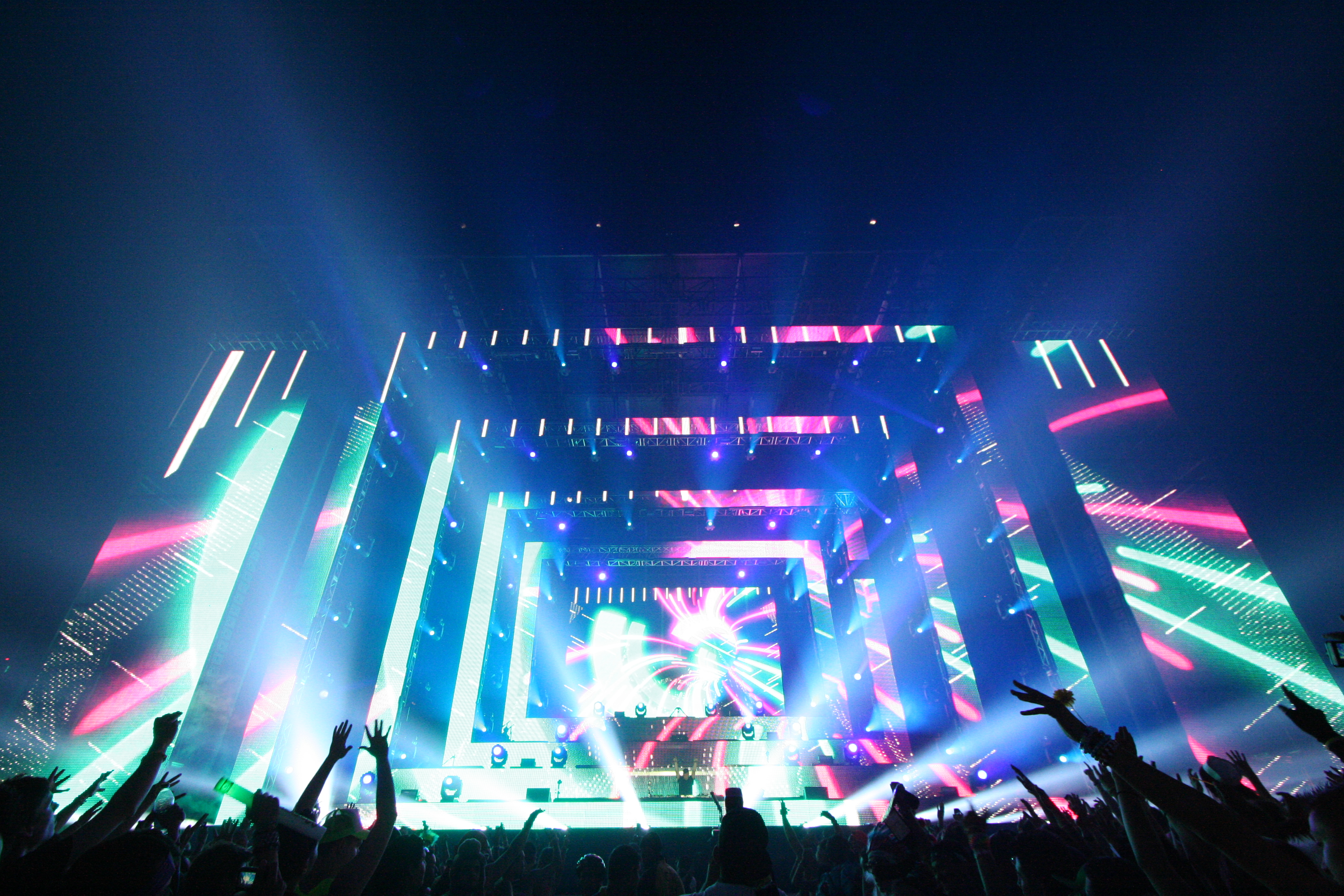 edm wallpaper,performance,stage,entertainment,concert,performing arts
